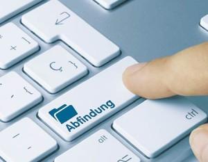 Fachanwalt Abfindung München Tastatur